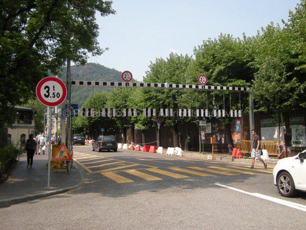 portale-lungolago-como-divieto-transito-mezzi-pesanti
