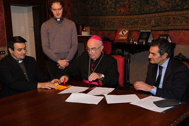 firma_accordo_vescovo-unoversita-como