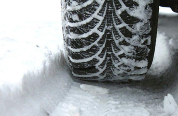 Como: obbligo gomme da neve o catene sulle strade provinciali